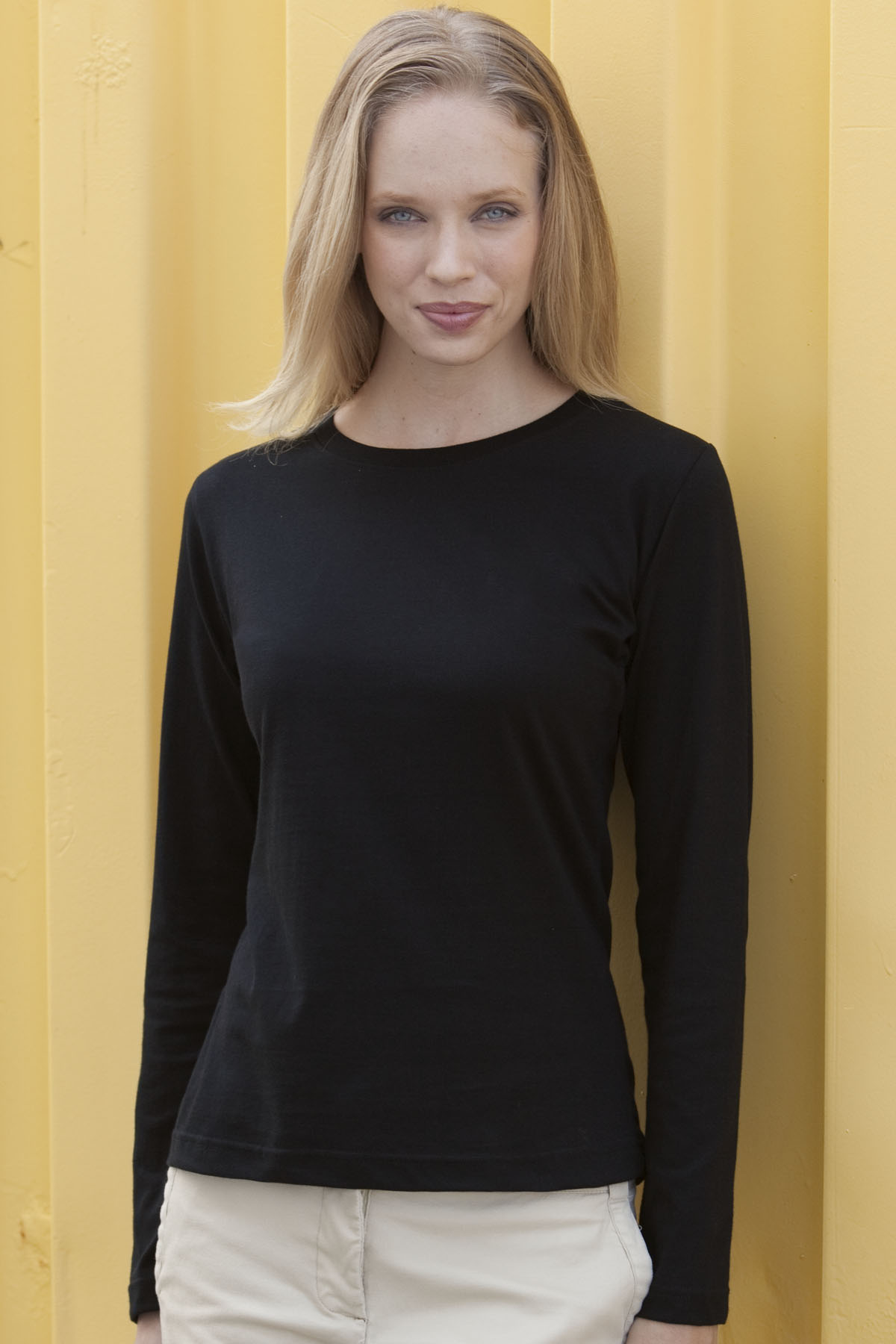Vantage 0284 - Women's Long Sleeve Scoop Neck T-Shirt